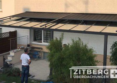 Terrassenüberdachung-mit-Aufdachmarkise